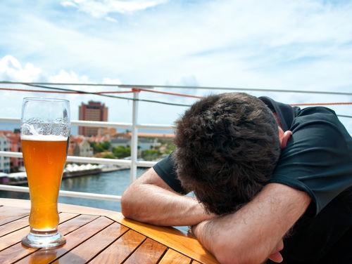 ビールを飲むとなぜ酔うの?