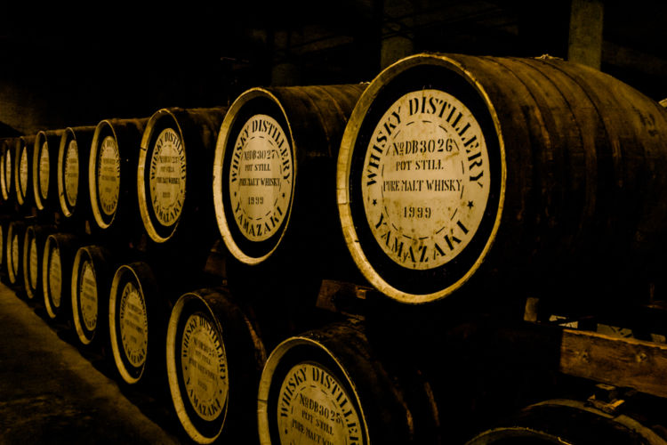 ウイスキーの原酒不足とは? その理由を解説します