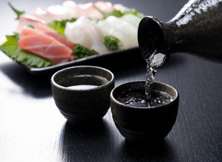 「酒の肴」の語源とは? 日本酒にはどんな「酒の肴」が
