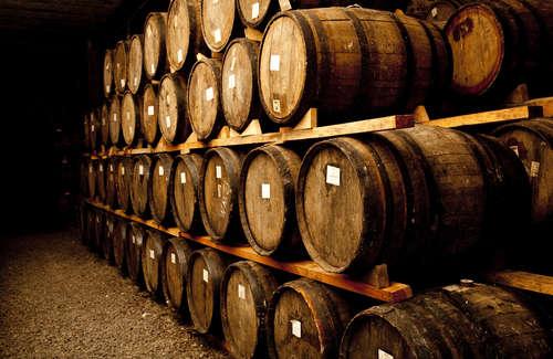 ワインは樽で育つ!熟成方法と樽の種類による味の違い