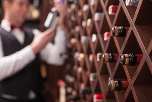 ワインセラーは理想的なワインの貯蔵庫