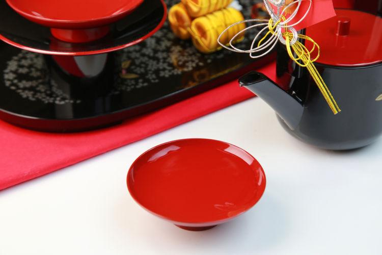 正月に飲む日本酒「お屠蘇(とそ)」とは? その歴史や作法を知ろう