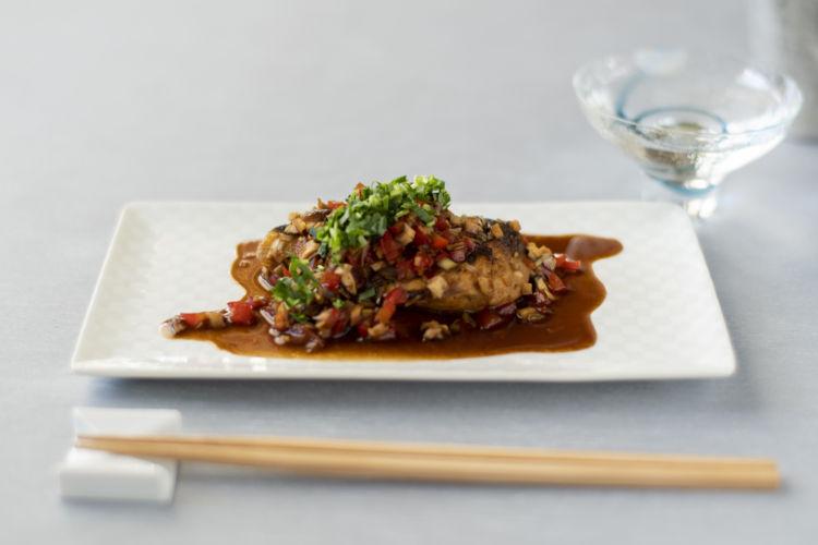 【動画レシピ】ぶりの照りみそ煮×純米酒