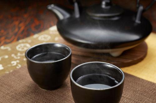 焼酎の「熱燗」は「燗酒(かんざけ)」の一種