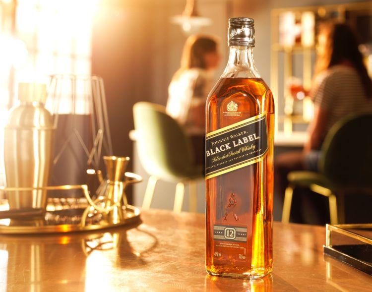 世界中で愛されているジョニーウォーカー!代表銘柄やおすすめの飲み方についてご紹介します