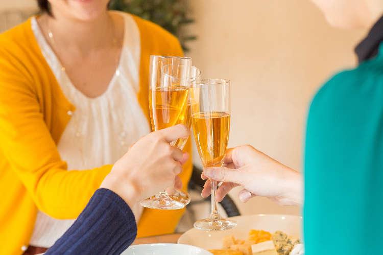 いつもよりゴージャスな乾杯を!ちょっと贅沢な1本からお得なセットまで、 おすすめスパークリングワイン