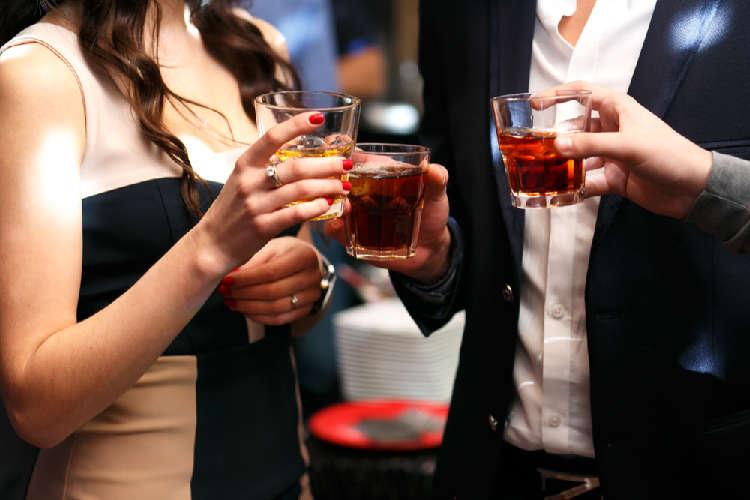 飲み過ぎはダイエットの大敵! ウイスキーの糖質は?