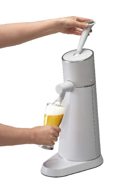 極上の泡で缶ビールをおいしく飲めるビールサーバー