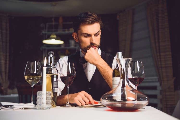 ワインの「甘口」と「辛口」の違い、見極め方とは?