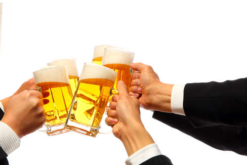 たくさん飲む人は気になる?! ビールの税金、日本の酒税