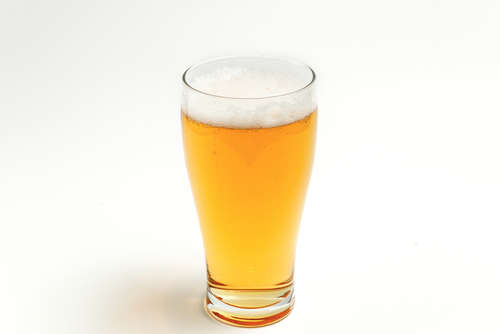 いつものビールをちょっとドライな大人のカクテルに 「ドッグスノーズ」