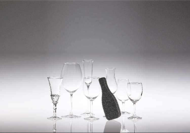 グラスは特別扱いで! ワイングラスのためのオシャレな専用スポンジ