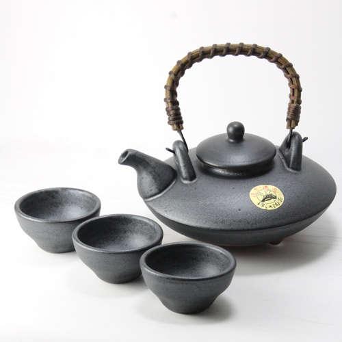 焼酎の本場、鹿児島生まれの「黒千代香」でおいしい焼酎を