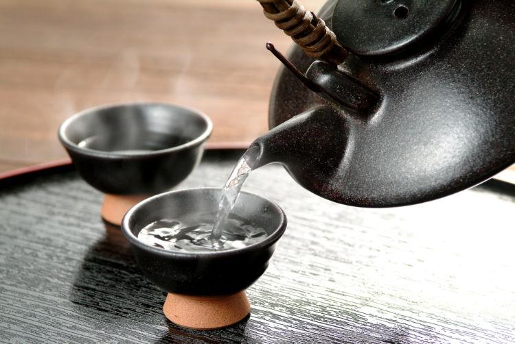 薩摩焼酎を飲むなら地元で定番人気の3銘柄から!
