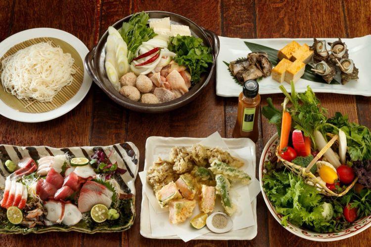 お酒の飲める飯屋、食事の出来る飲み屋 「都夏(つげ)」