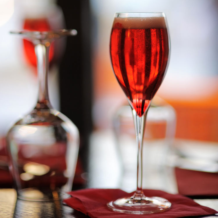 ワインと好相性 「クレーム・ド・カシス」でたのしむ家カクテル