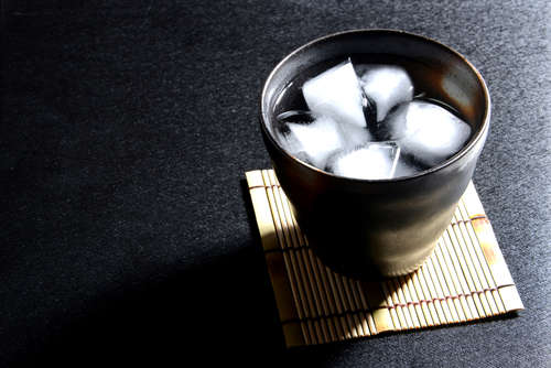 南からじわじわ人気が広まった焼酎の歴史