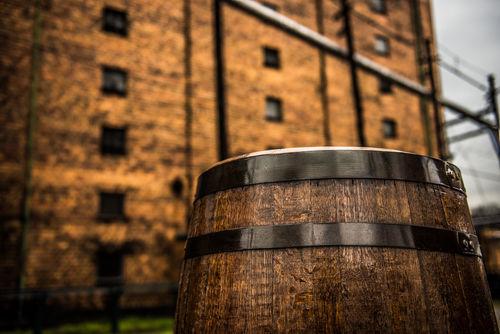 アメリカのウイスキー通をうならせてきたバーボンの歴史とは?