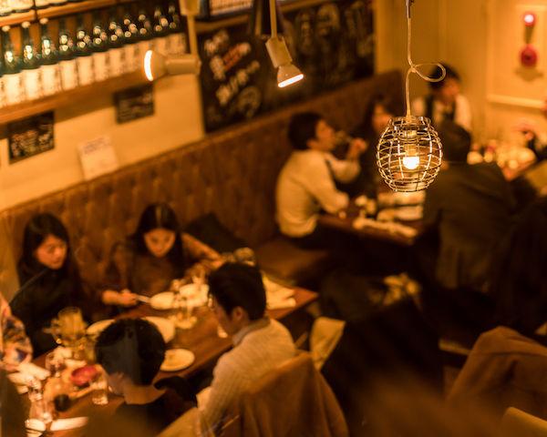 ワイングラスでおしゃれに日本酒! 女子待望の新感覚バルがオープン