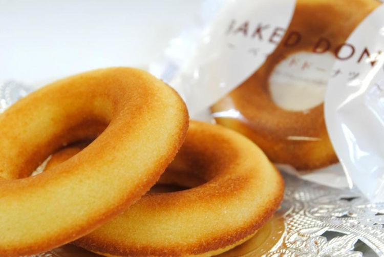 人気の油で揚げないドーナツに、甘酒の香りも華やかな新フレーバー登場!