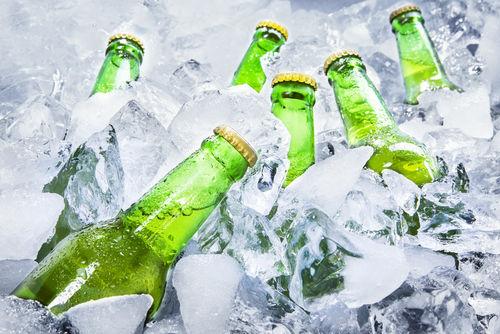冷えたビールと常温程度のビールはどちらがおいしい?