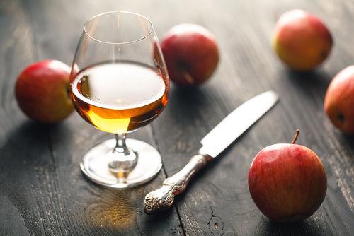 ウイスキーで作るリンゴ酒とは?ウイスキーとフルーツの相性について
