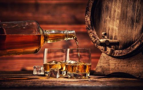 ウイスキーの熟成は自宅でもできる? できない?
