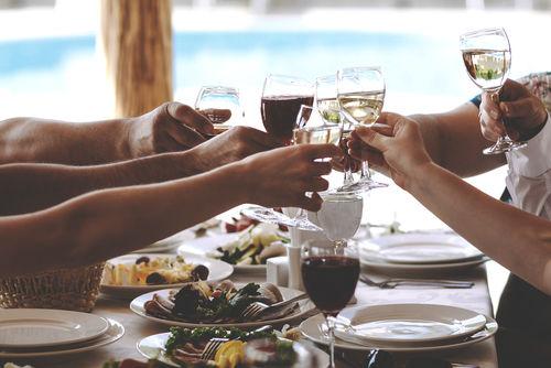 テイスティングなどが楽しめるワイナリー見学を山梨で楽しむ