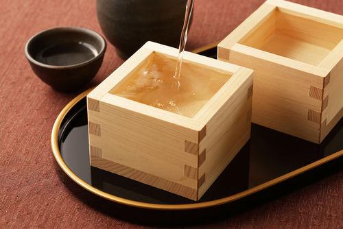 名水に恵まれた土地で、米の自家栽培から始める日本酒蔵