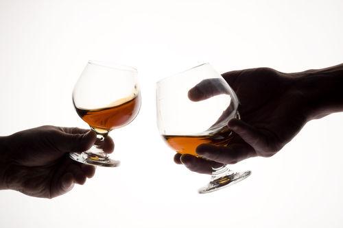 スコッチのシングルモルトとブレンデッドを飲み比べる