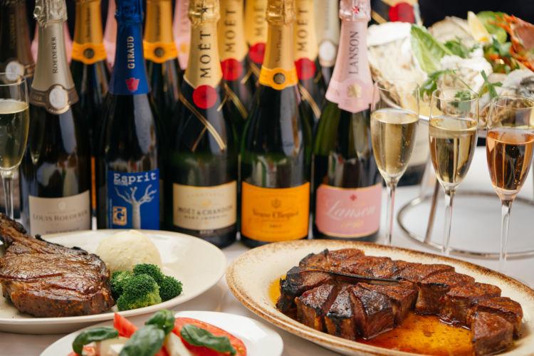 初夏のシャンパーニュフリーフローランチで、ステーキと泡を存分にたのしむ!