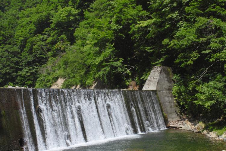 秋田の日本酒【山本(やまもと)】世界遺産・白神山地の天然湧水が育む酒