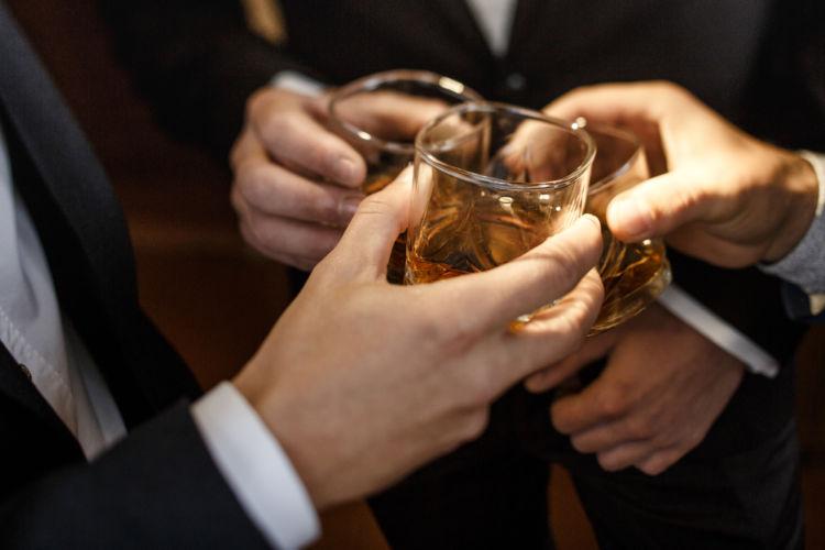 「チェイサー」を賢く活用して、ウイスキーをより深くたのしもう!