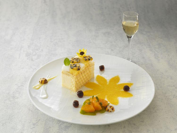 お酒と一緒に、食後のデザートとして! リーガロイヤルホテル大阪の「大人スイーツ」