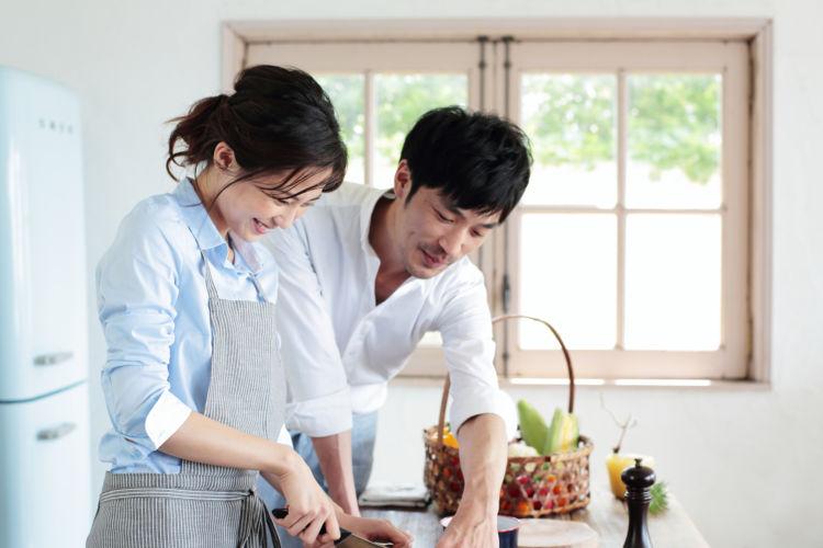 """月末の金曜日はお家がレストラン 夫婦で作ろう!1時間で「初夏」の""""涼味""""コース"""