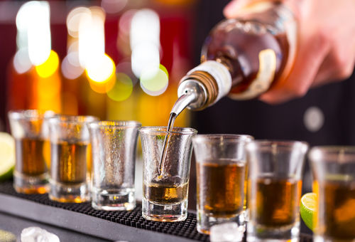 ウイスキーのショットの容量ってどれくらい?|たのしいお酒.jp