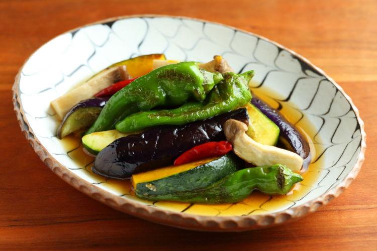 たっぷり野菜でヘルシーなおつまみを!「野菜の焼き浸し」