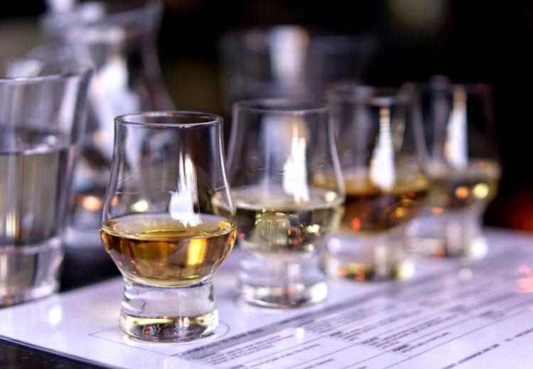 ウイスキー初心者でもたのしめる「トゥワイスアップ」