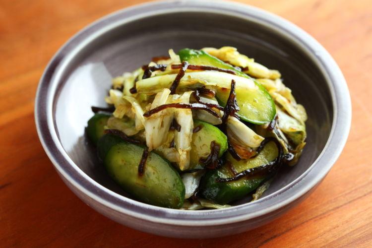 お好きな野菜でカンタンおうち浅漬けを「塩昆布で浅漬け」