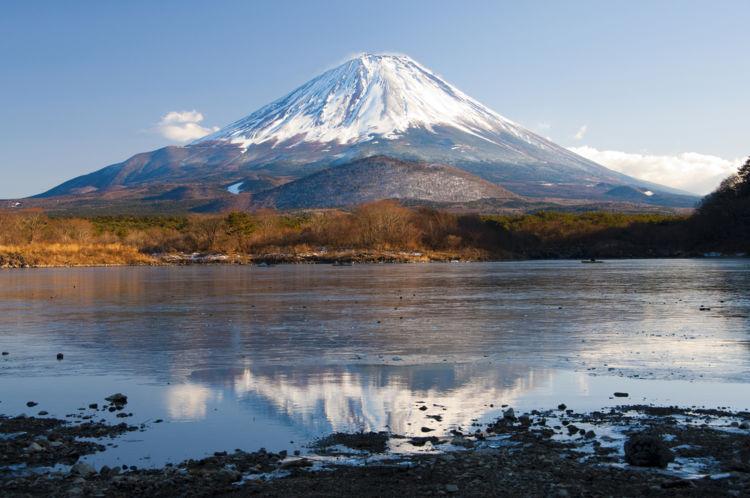 【人気の国産ウイスキー】「富士山ウイスキー」は富士山の天然水を使用