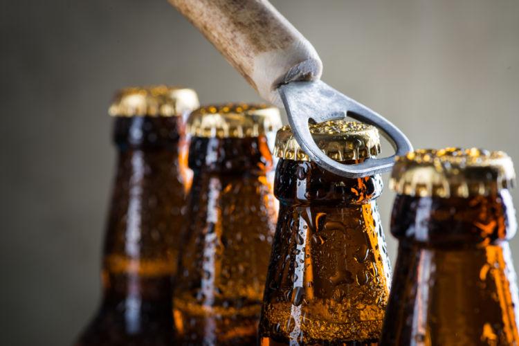 「ビールかけ」はいつから始まった?じつは知らないビールかけの秘密