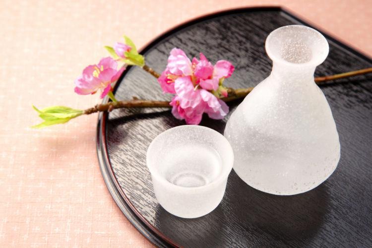 日本酒を結婚祝いに! その理由と選び方