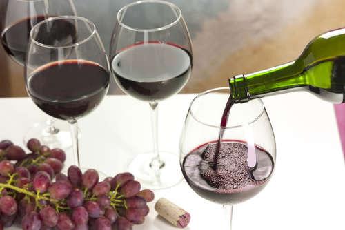 赤ワインと白ワイン、おいしく飲む適温は?季節や気分に合った美味しさを!