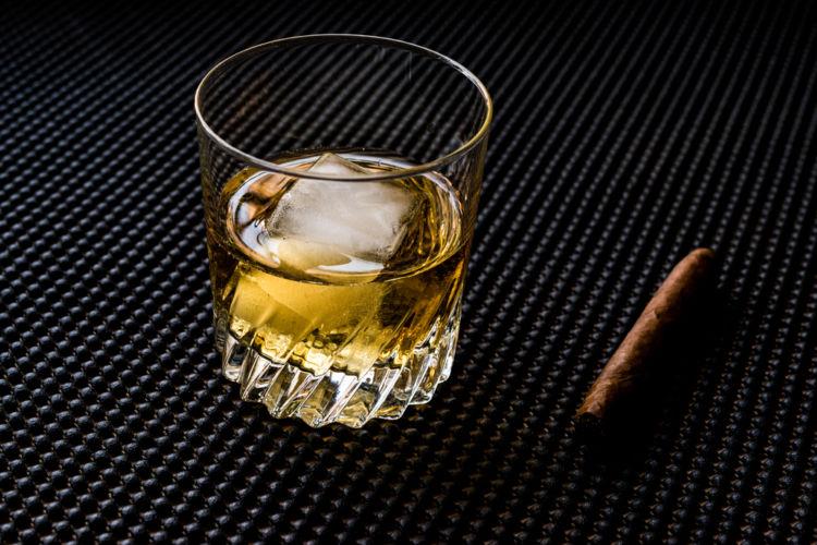 カクテル「ゴッドファーザー」に合うウイスキーは?
