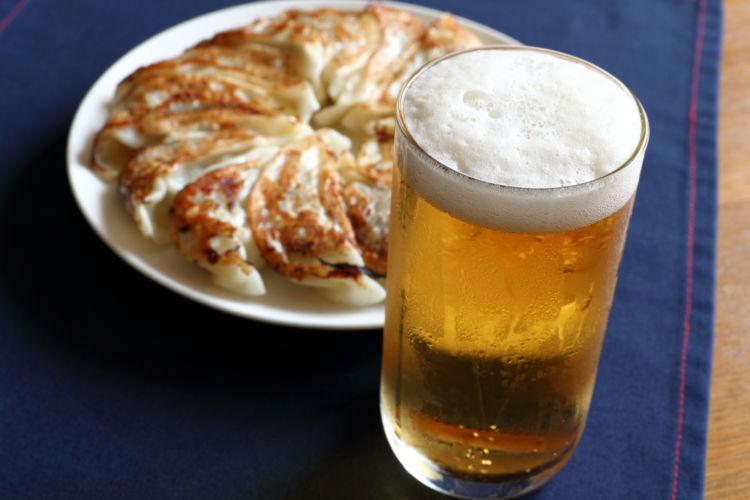ビールと餃子が最強コンビである理由