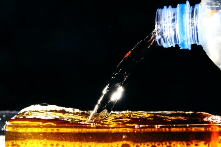 トワイスアップ(トゥワイスアップ)はウイスキーの香りが沸き立つ飲み方