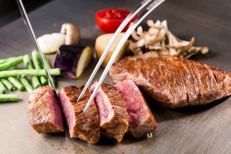 旬の厳選食材を16品のコースで! 鉄板焼き「あばぐら」が恵比寿にオープン