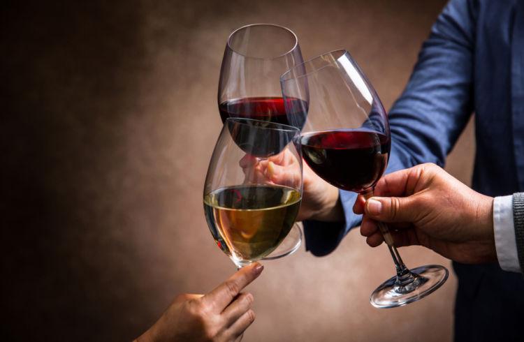 ワインもチェイサーで上手にたしなむ