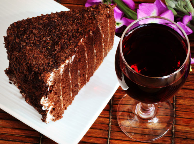 ワインとケーキの絶妙なマリアージュ! 大人のスイーツのたのしみ方