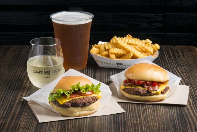 NY発ハンバーガーレストラン「Shake Shack 京都店」でオリジナルビールを堪能!